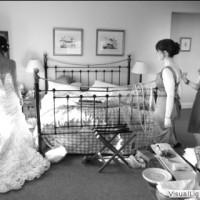 girls-looking-at-the-back-of-gemmas-dress